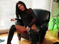Aubrey Starr is an amazingly beautiful Grooby girl with a stunning body, amazing boobs, a fantastic ass and a delicious uncut cock! See this hot tgirl stroking her cock and playing with her ass!
