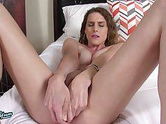 Hot transgirl fucking herself with her dildo and jacking off until she cums!